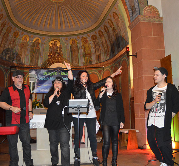 Auftritt Kirche Sänger Mobile Musikschule Saarpfalz - Homburg